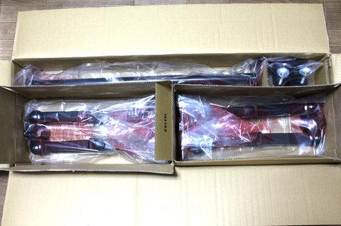 4モニタアーム MARMGUS12Wの箱を開ける