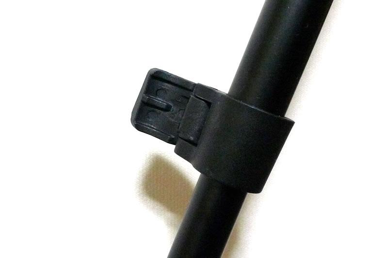 三脚の足の固定レバー
