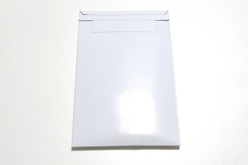 裏のパッケージはシンプル