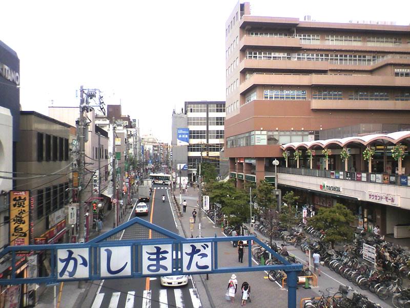 こちらは同じく鹿島田駅通路の逆側(東京・多摩川方面)の様子。