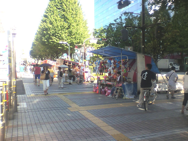 川崎市役所通りの出店