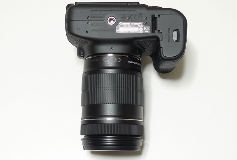 EOS 60D本体+EF–S18–135IS 裏側