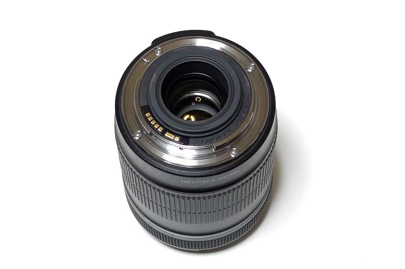 EF–S18–135 ISレンズカメラ側