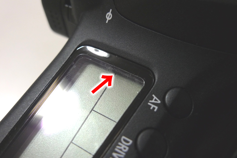 EOS 60D 表示モニターに液晶保護フィルムを装着失敗