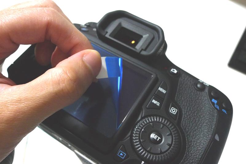 EOS 60D 液晶モニターに液晶保護フィルムを装着してはがす