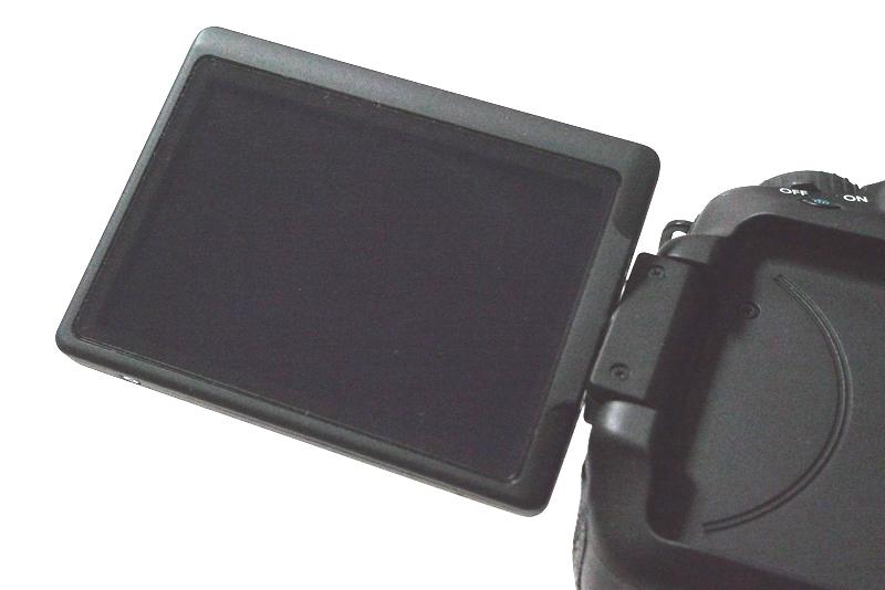 EOS 60D 表示モニターに液晶保護フィルムを装着後