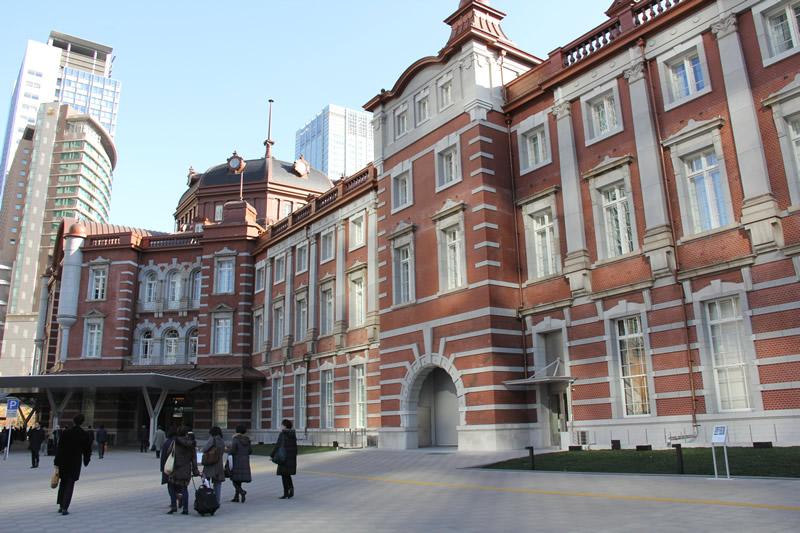 朝の東京駅 丸の内北口