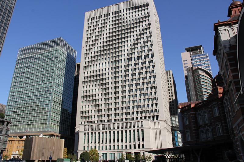 日本生命ビル・三菱UFJ信託銀行本店ビル