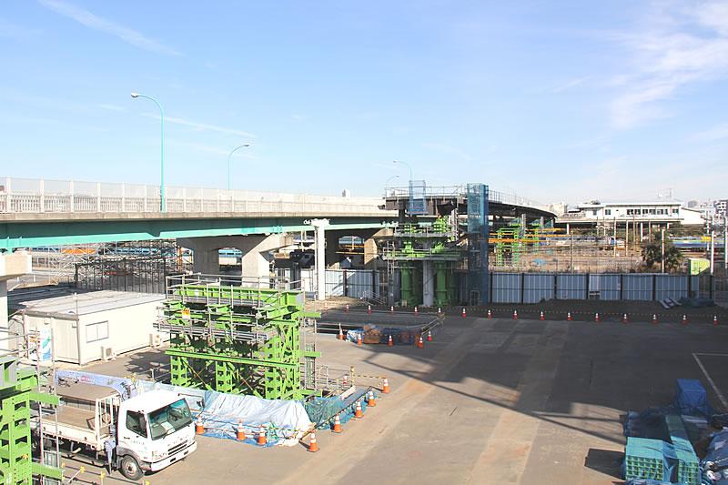 新川崎駅とシンカモールを結ぶ歩行者専用通路