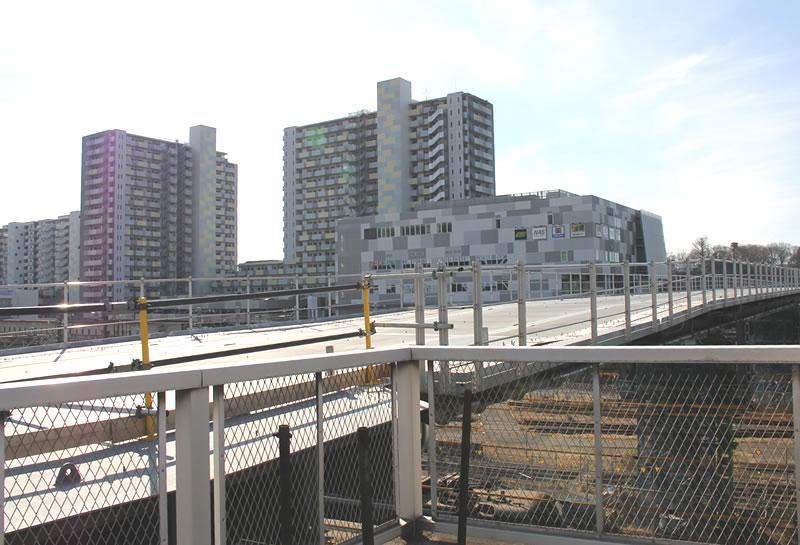 新川崎駅がわの歩行者専用通路