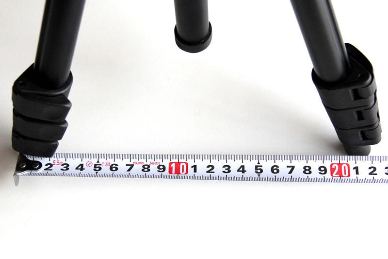 三脚の足の幅