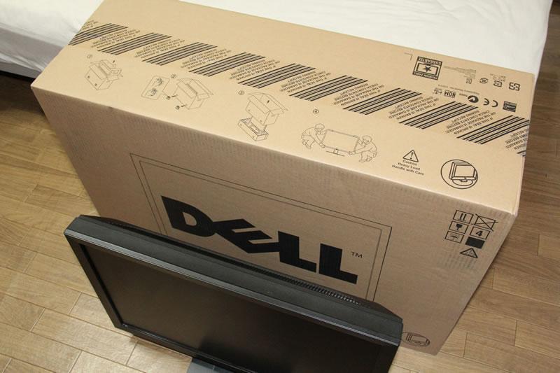 DELL U3011と24インチモニター