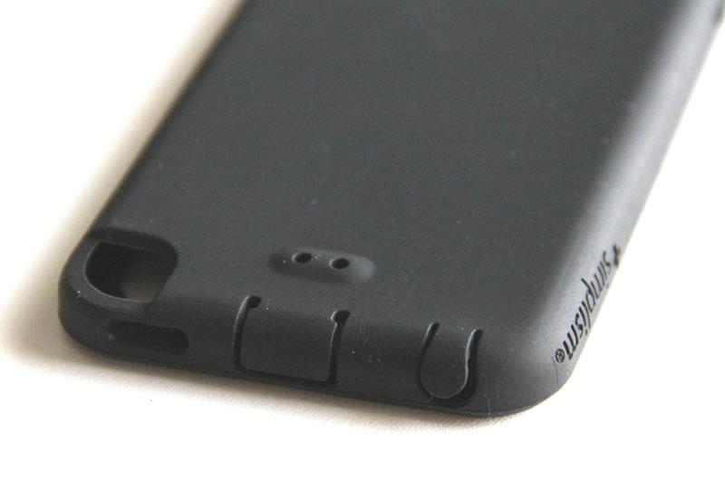 iPod touchケースのコネクタ部分