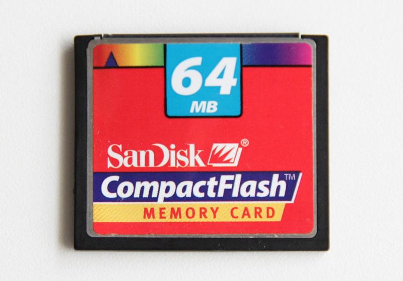 SanDisk CcompactFlash 64MB 表