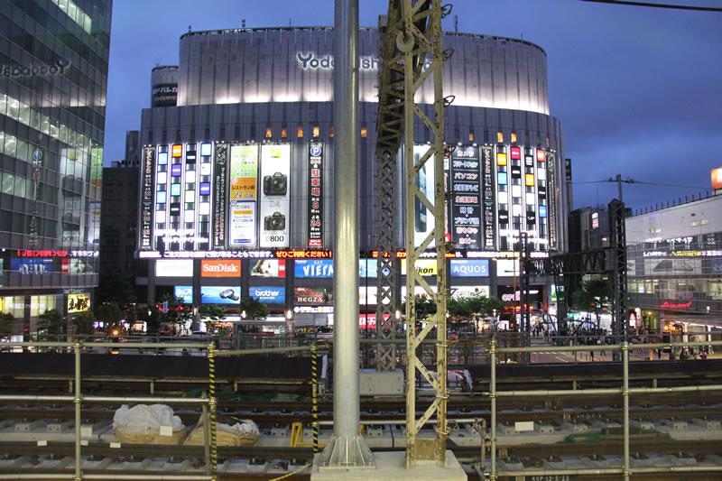 2013年6月1日 夜のヨドバシ秋葉原2
