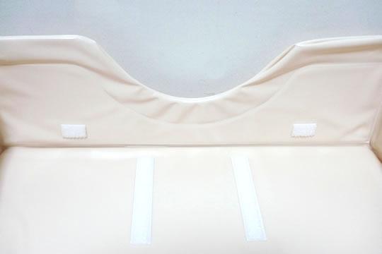 本体は枕とシートの2つ接続するためのマジックテープがある