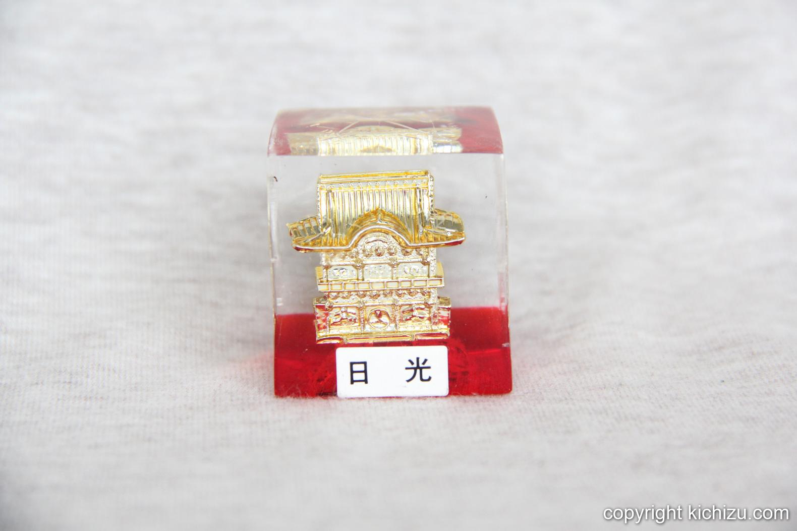 日光のお寺の置物