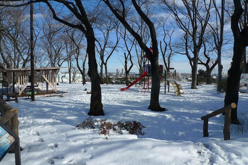 加瀬山の西側の公園