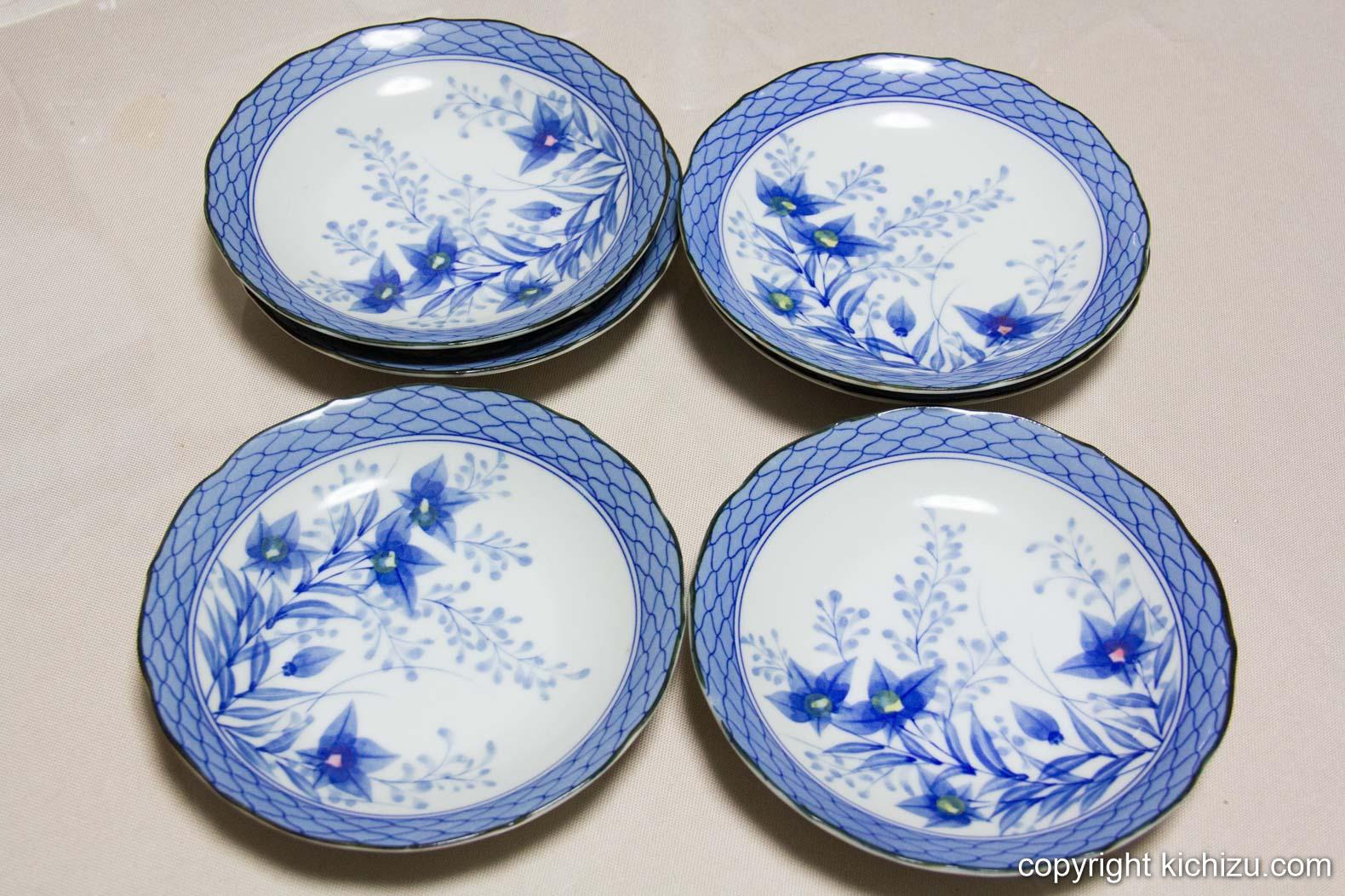 青を基調とした花柄のお皿5枚