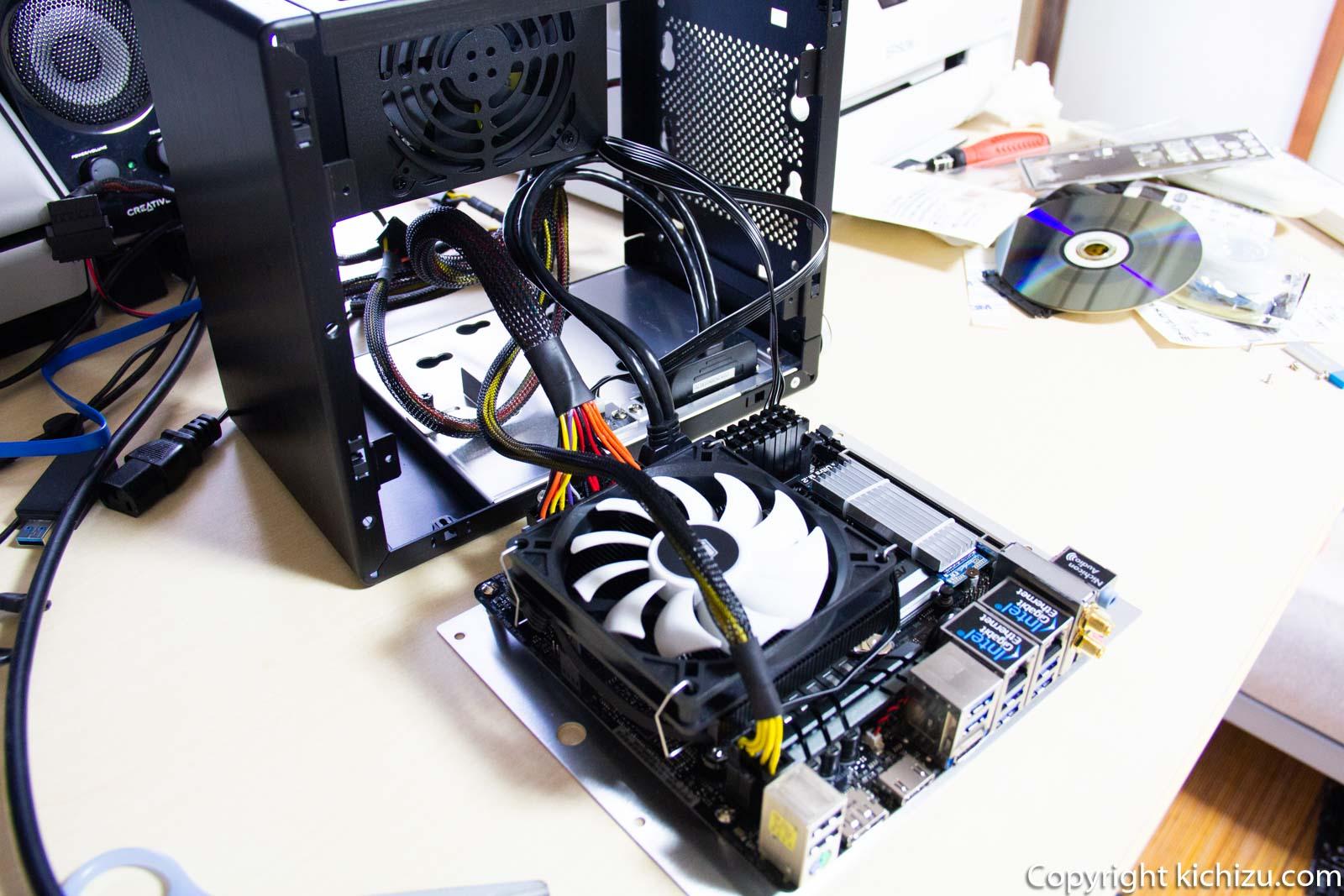 借で組み、自作PCの動作確認を行う