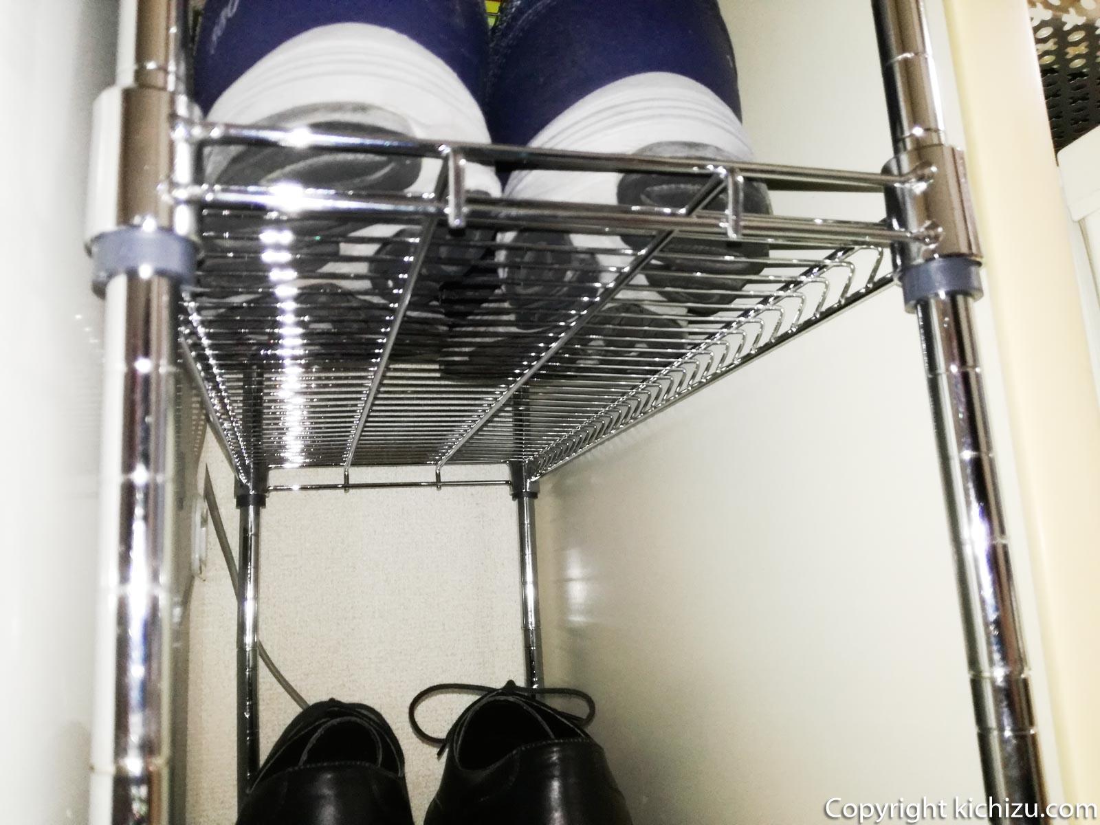 靴の汚れが下に落ちる