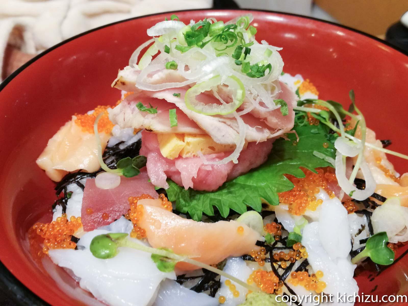 季節海鮮丼